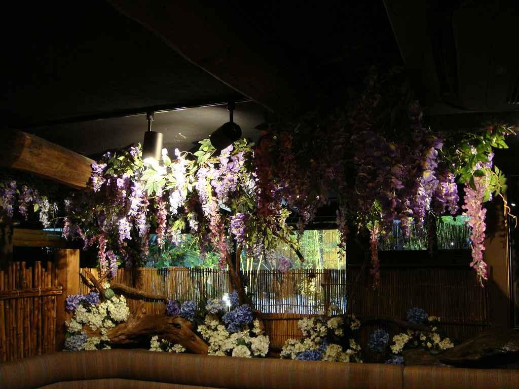 春の装飾、夏の装飾、藤や紫陽花の装飾ディスプレイ